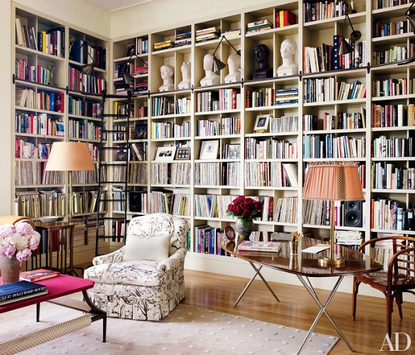 Bette-Midlers-Apartment-Library-in-AD