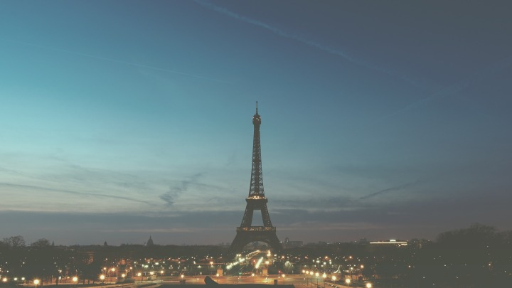 paris-1245970_1920